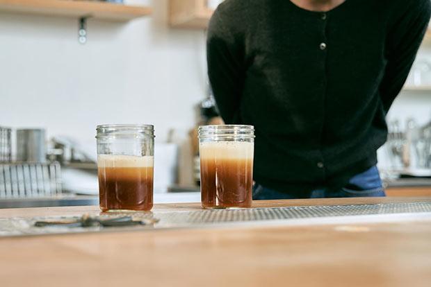 """〈奈良醸造〉と〈ANY B&B + COFFEE〉がタッグを組み、今までにない新スタイルのビール開発を行い、生まれた""""コーヒービール。"""""""