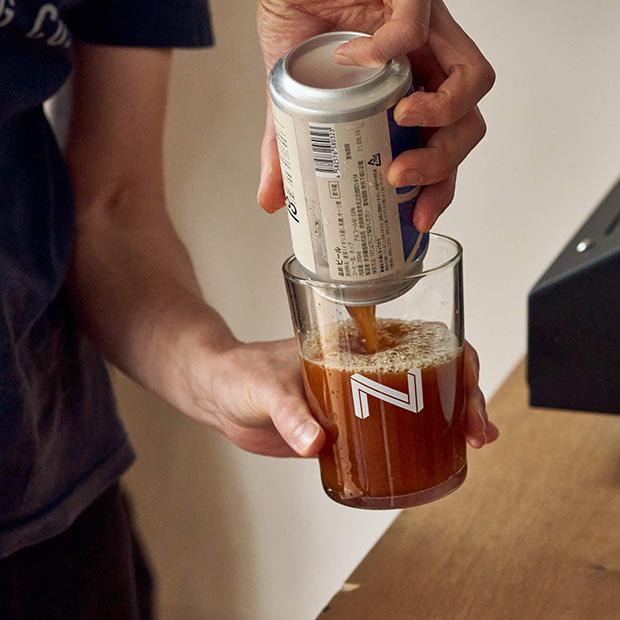 きめ細かい泡を生むために、大きめのグラスに注ぐのがコツなのだとか。