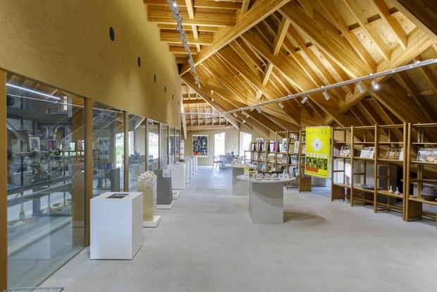 建築家・隈研吾が設計した〈九谷セラミック・ラボラトリー〉。