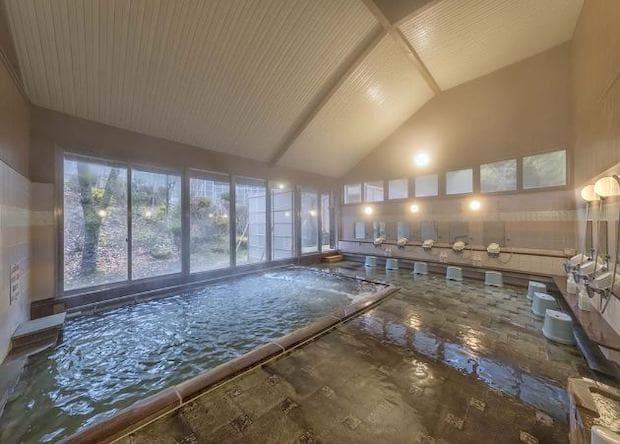 大浴場のほか、露天風呂もあり景色も最高です。