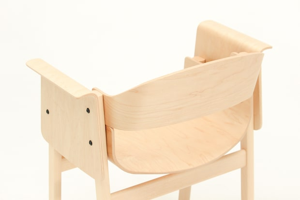 SAND Design by Koichi Futatsumata アームチェア メープル ホワイトビーチ ナチュラル W637 D484 H740SH433