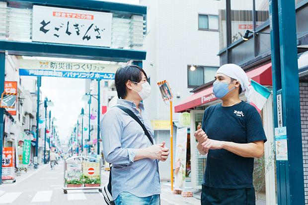 こうやって話しているわずかな間にも何人もの人に声をかけられ、田中さんからも声をかける。