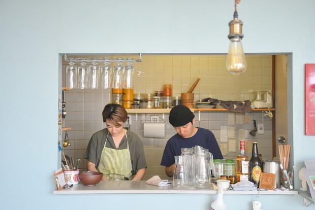 「大阪はスパイスカレー大国なんです。雑誌取材でいろんな店に行っていたらどんどんハマって食べ歩きました。それまでは食に全然興味がなかったんですけどね」と亮太さん。