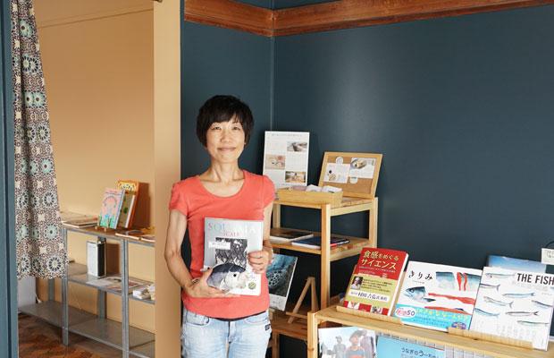 Room A〈お菓子な本屋〉の水島さん。南太田から近い弘明寺という地域で、マフィン屋〈AS muffin〉を運営されています。