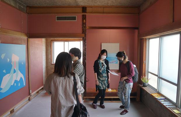 野毛山Kiezのメンバー・アーティストの吉田ゆうさんたちは、アート作品の出展者として参加。