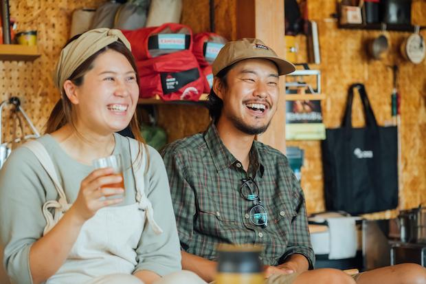 青木さん夫婦は、「野あそび夫婦」としてSNSやYouTubeチャンネルを運営するなど、積極的に情報発信も行っている。