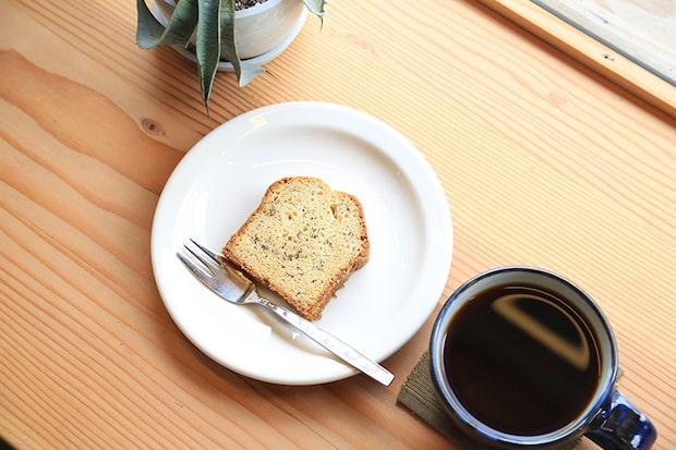 〈Sailing Coffee〉のデザートメニューはパウンドケーキやマフィン、焼きプリン、チーズケーキなど、日替わりで2種ほど。