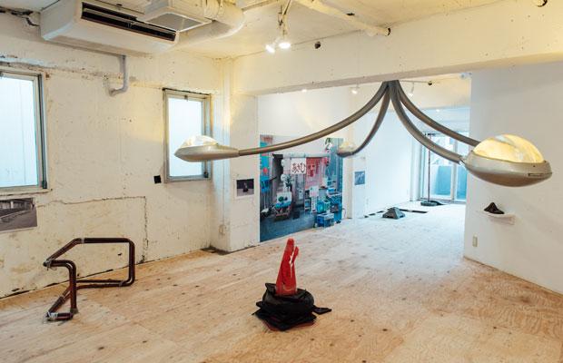 レインボービル9階で展示されている『東京Z学』。