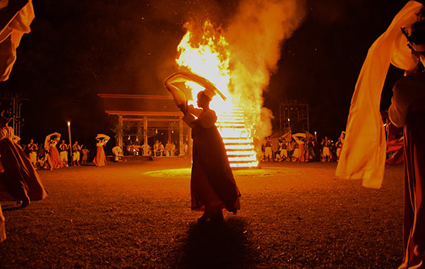 古墳祭りの女人の舞。