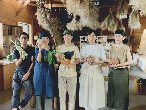左からタネトの代表・奥津爾さん、奥津典子さん。(写真:栗田萌瑛)