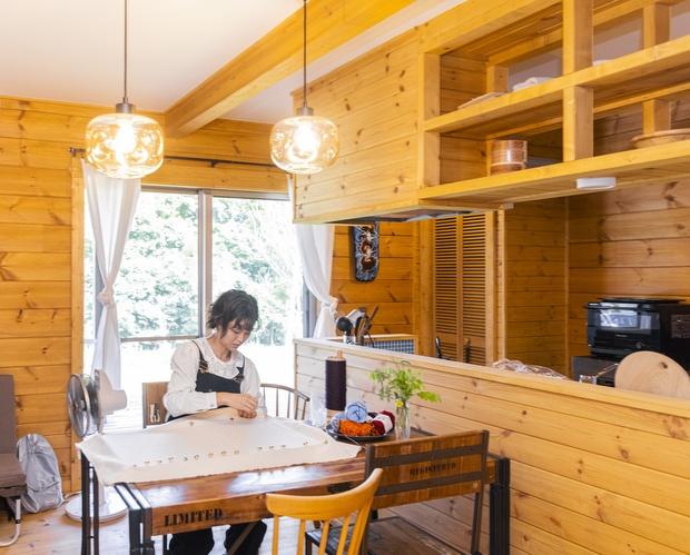 外遊びも、家での作業も、両方好きだという知穂さん。