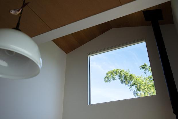 川内さんのご自宅の大きな窓。