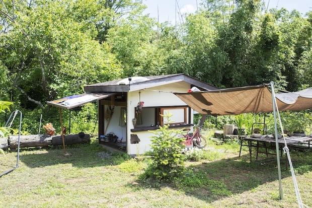 ご主人が手作りした子ども用の小屋。